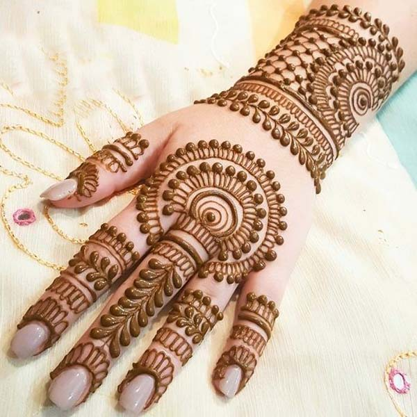 Latest Mehndi Designs: Last Minute Mehndi Designs For Karwa Chauth & Why It Is